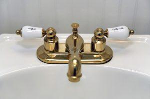brass bath filler tap
